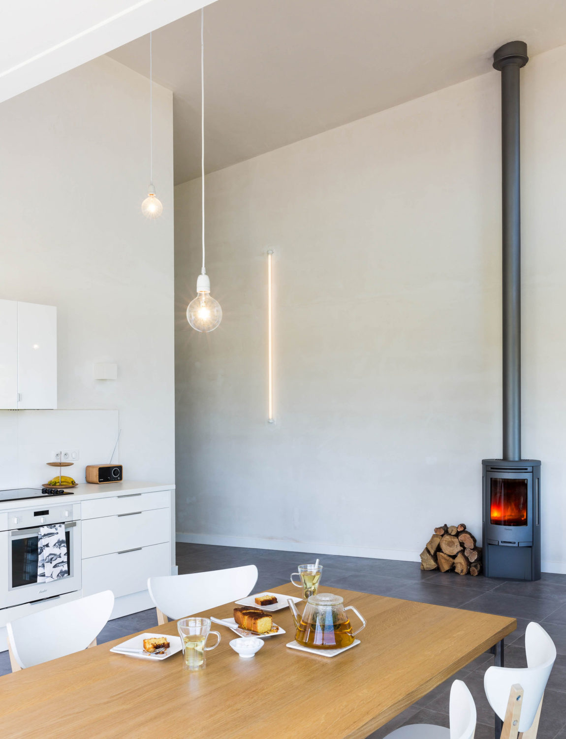 House for a Photographer by Studio Razavi Architecture (18)