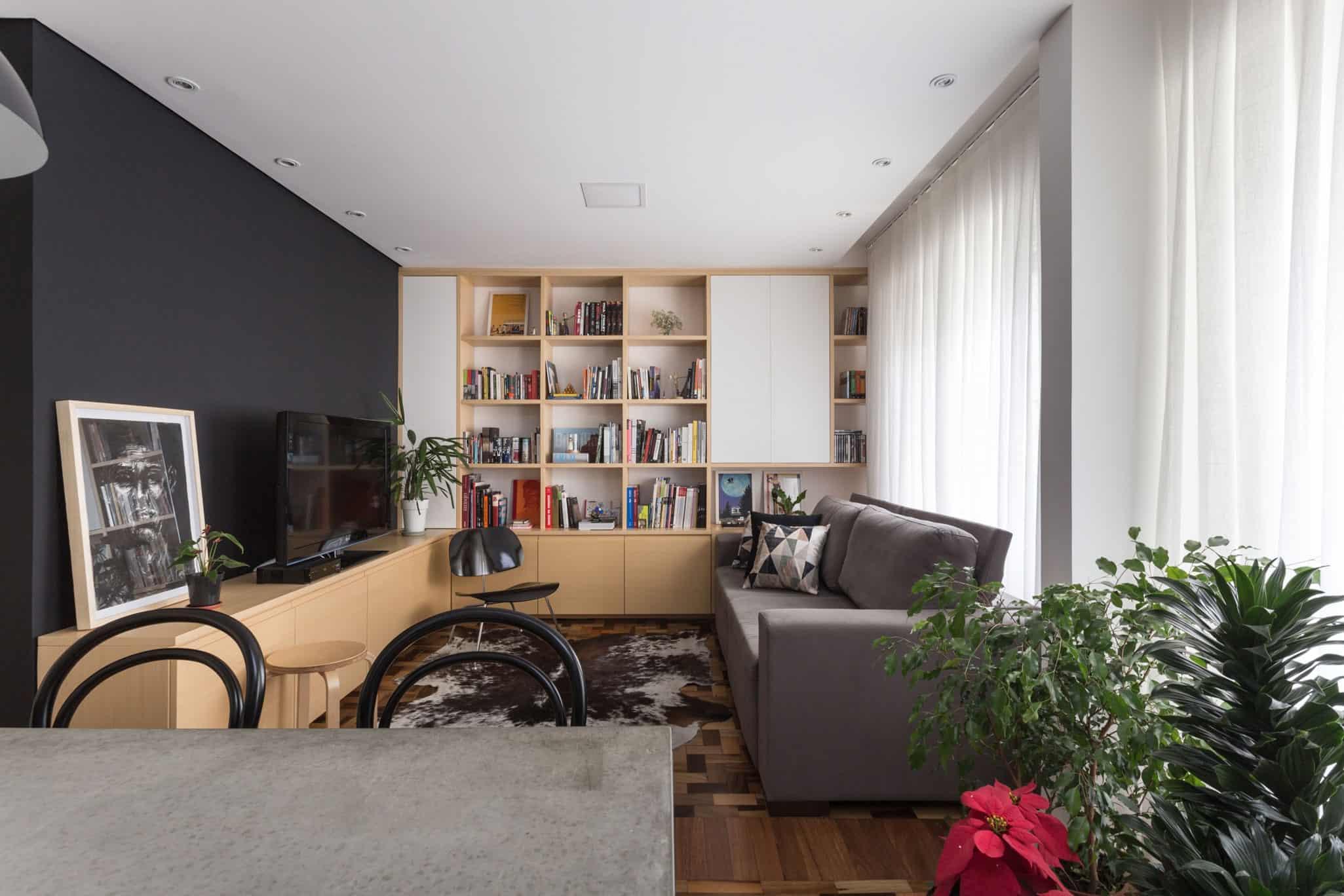 Renata Ramos Designs a Lively Private Residence in Porto Alegre, Brazil