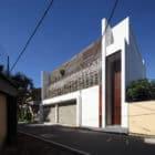 Layered House by KWA Architects (1)