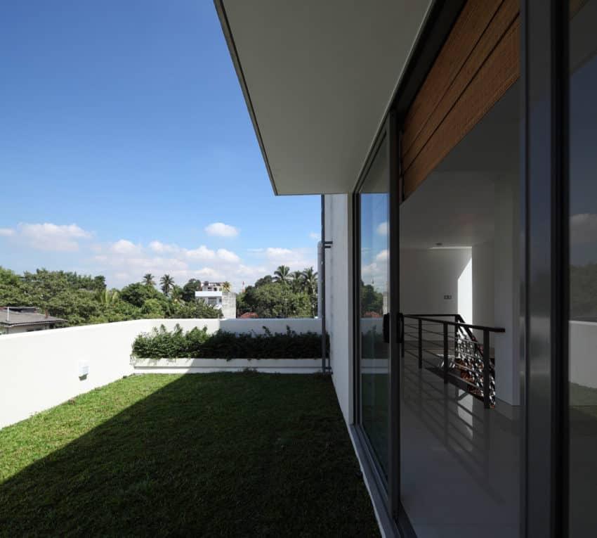 Layered House by KWA Architects (3)