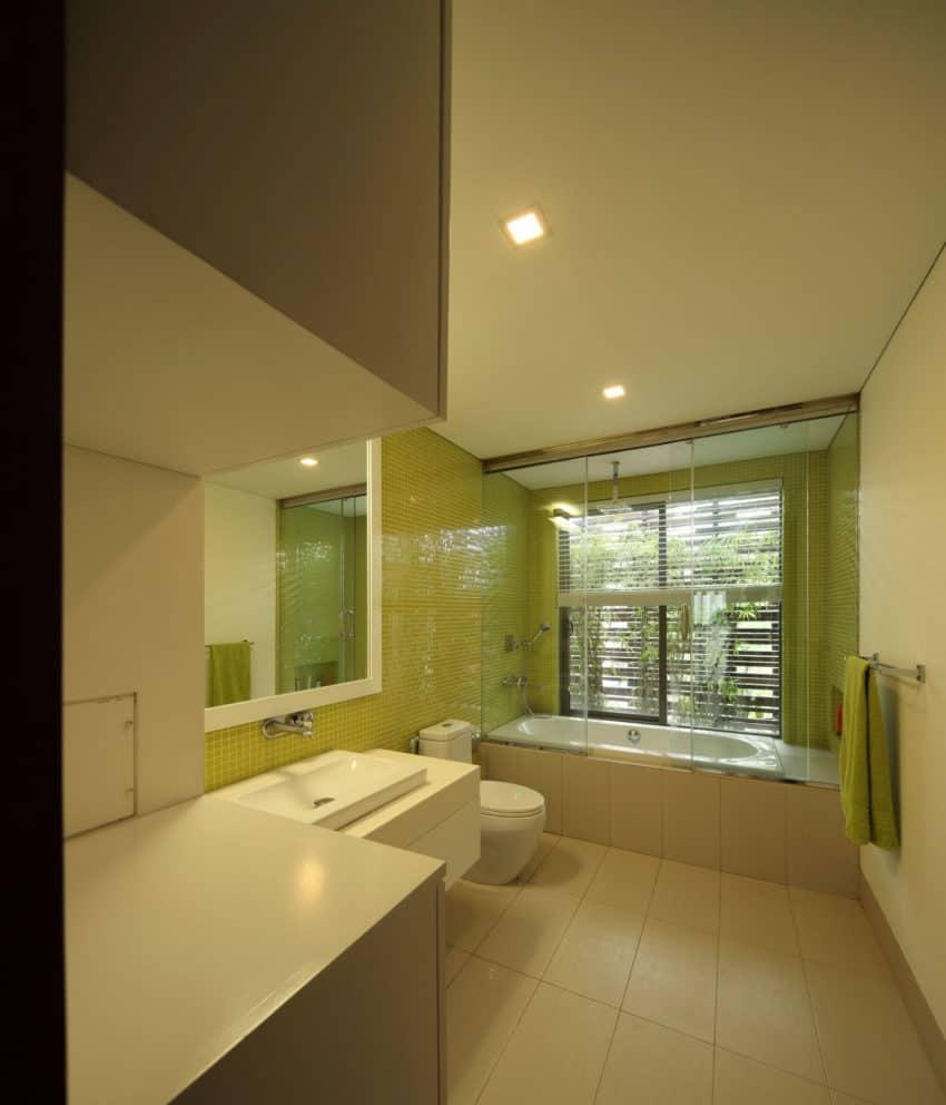 Layered House by KWA Architects (9)