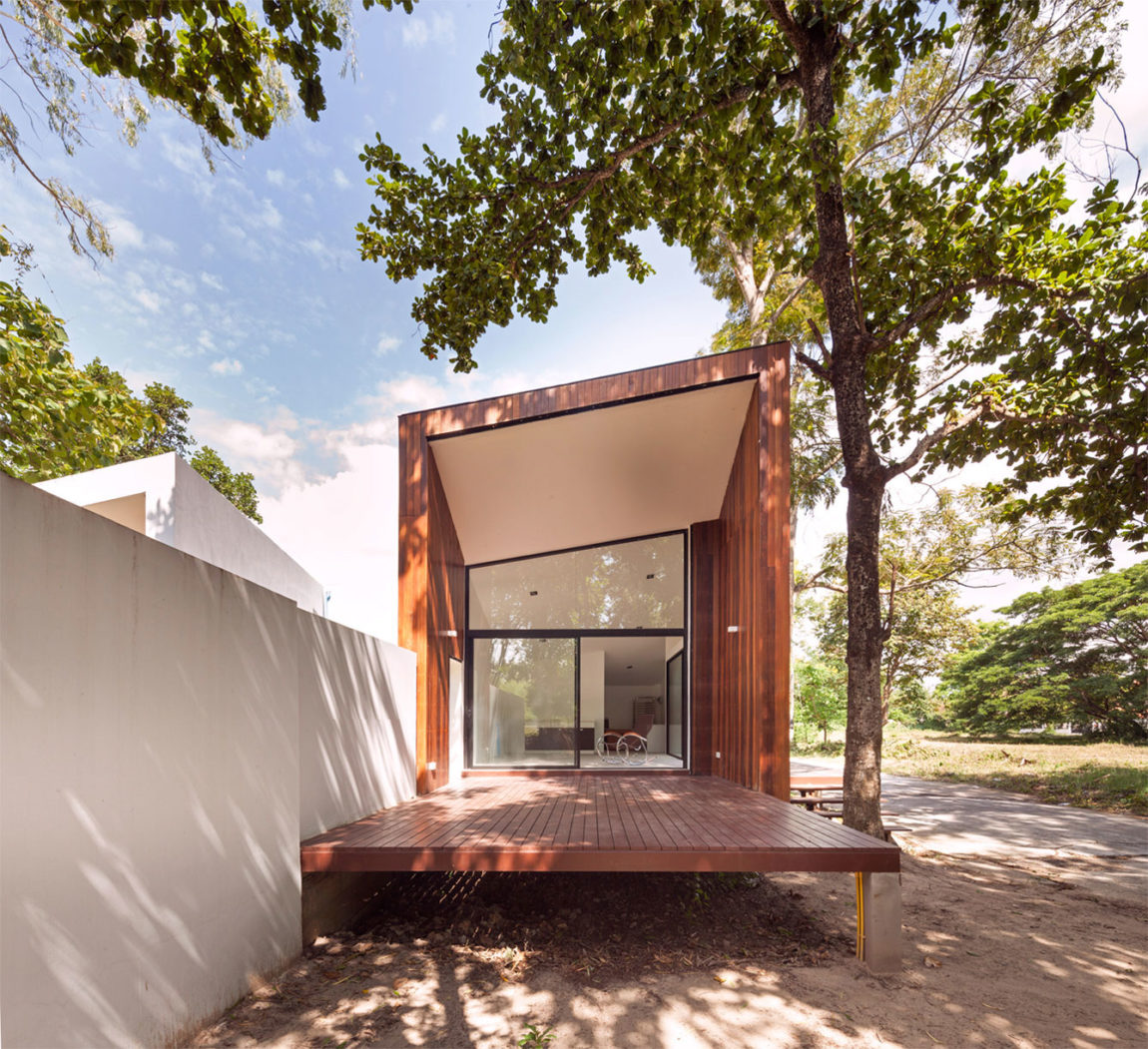 Mae Kao Canal House by EKAR & Full Scale Studio (7)