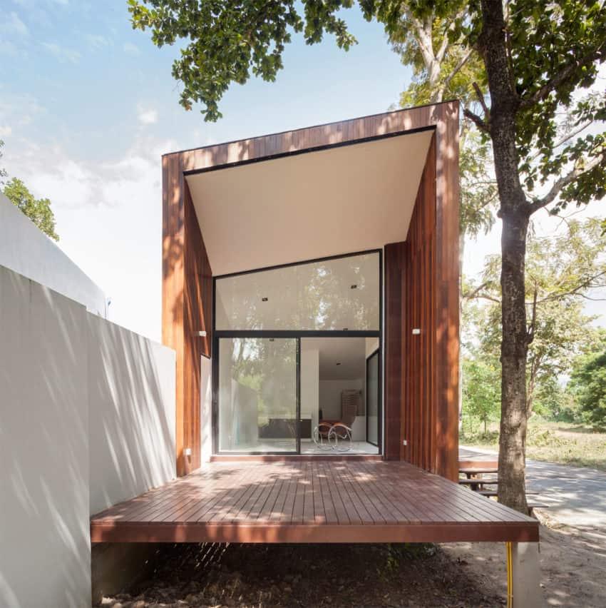 Mae Kao Canal House by EKAR & Full Scale Studio (8)