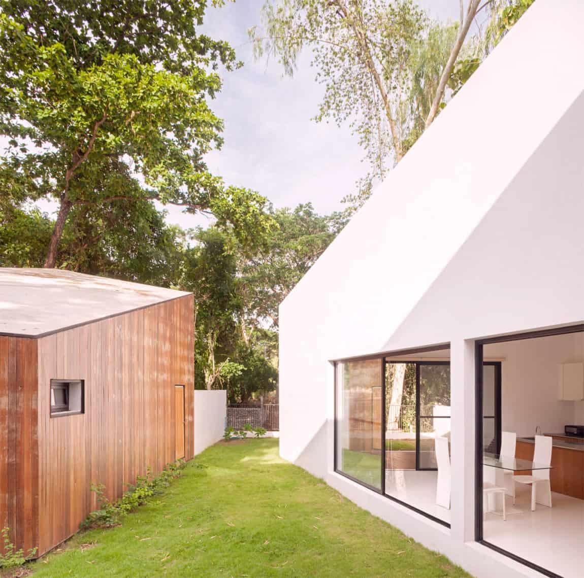 Mae Kao Canal House by EKAR & Full Scale Studio (12)