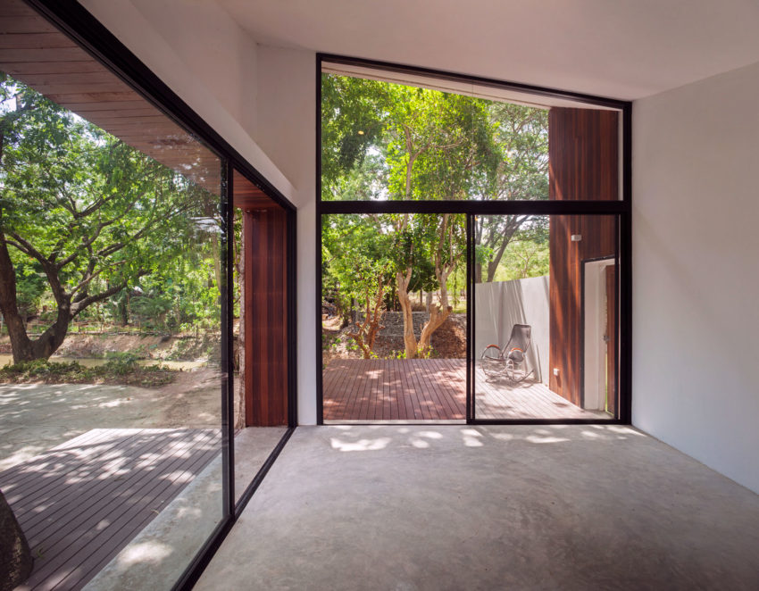 Mae Kao Canal House by EKAR & Full Scale Studio (14)