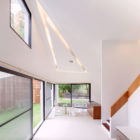 Mae Kao Canal House by EKAR & Full Scale Studio (16)