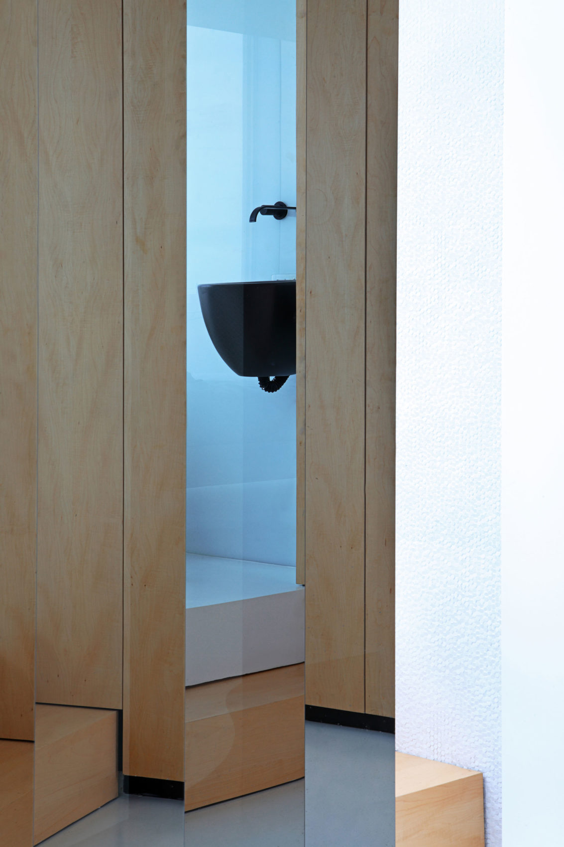Penthouse by Josep Ruà Spatial designer (23)