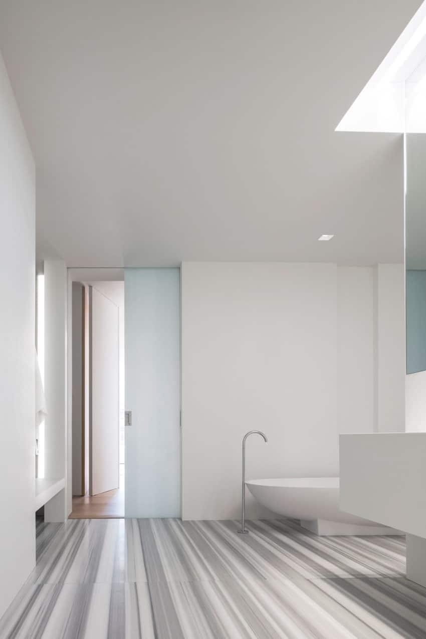 Photographer's Loft by Desai Chia Architecture (6)