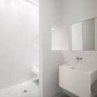 Photographer's Loft by Desai Chia Architecture (9)