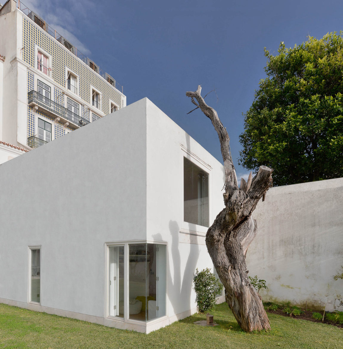 S. Mamede House by Aires Mateus (3)