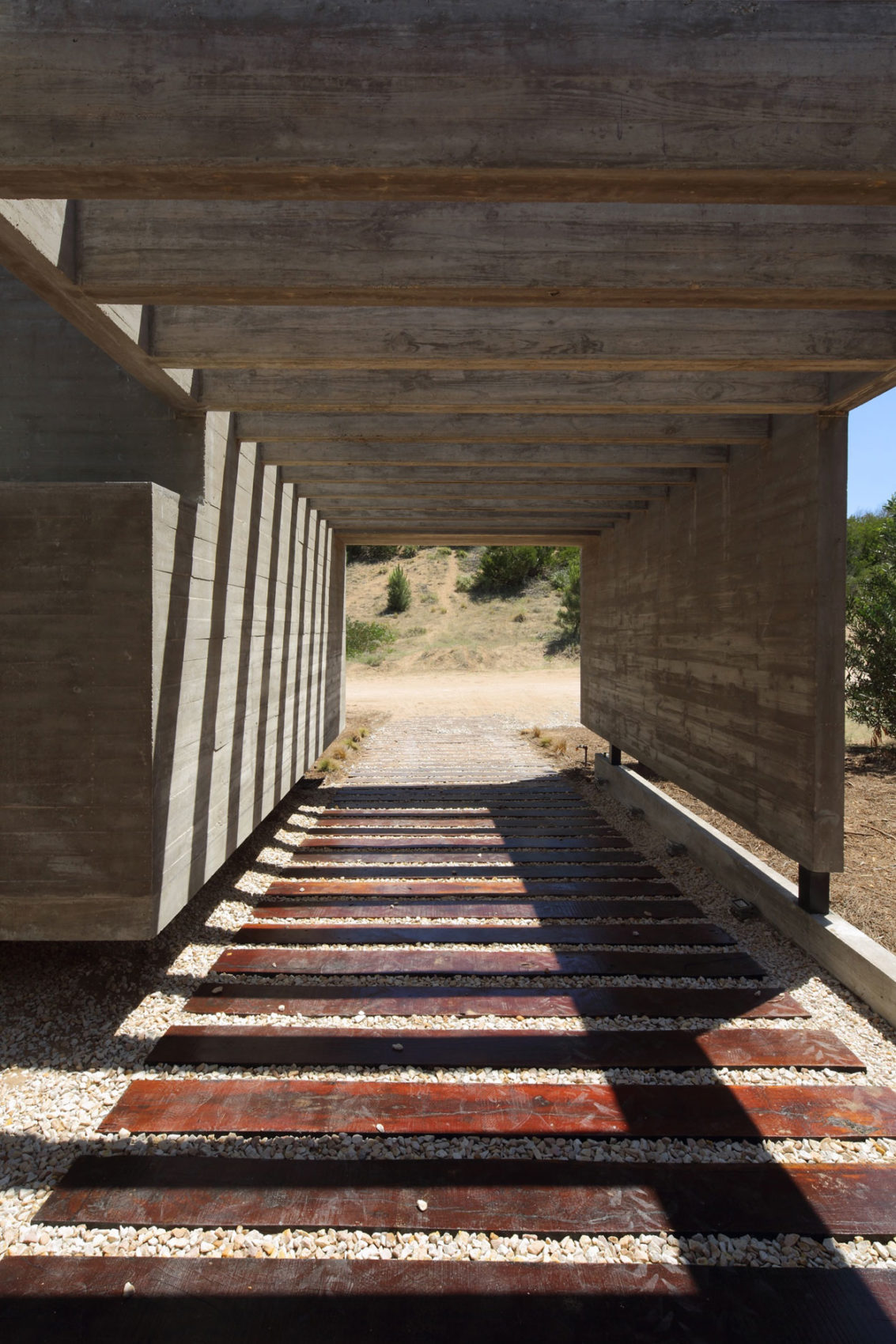 S&S House by Besonias Almeida Arquitectos (4)