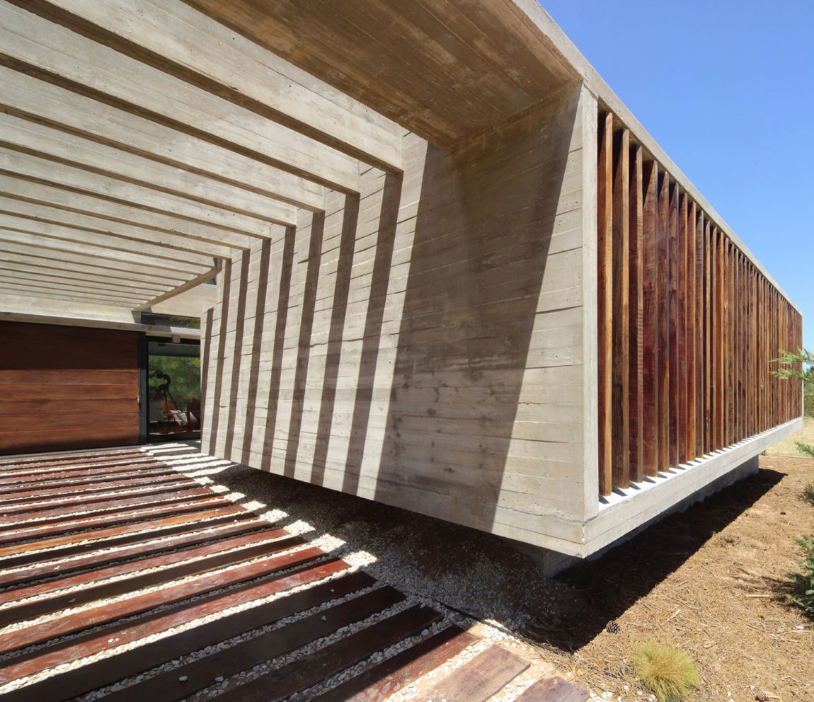 S&S House by Besonias Almeida Arquitectos (5)