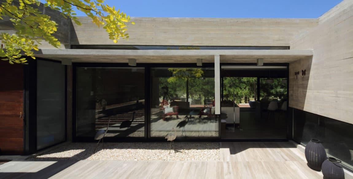 S&S House by Besonias Almeida Arquitectos (8)
