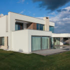 The House on a Hill by Kupinskiy & Partners (4)