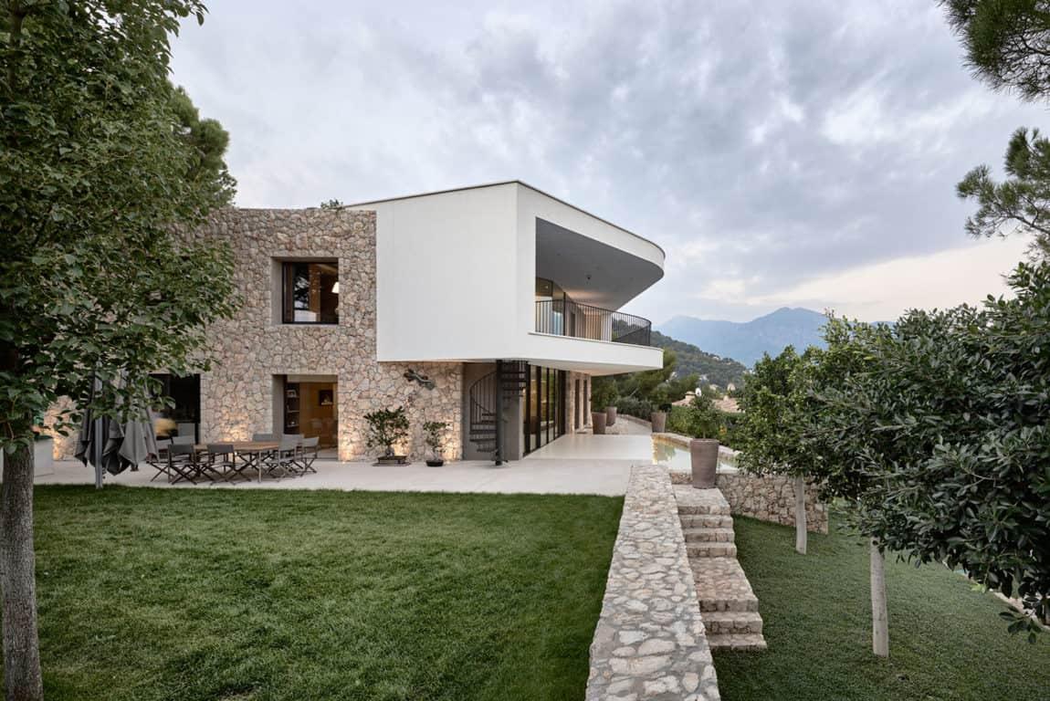 Villa La Madone by A2CM & Ceschia e Mentil Arch (4)