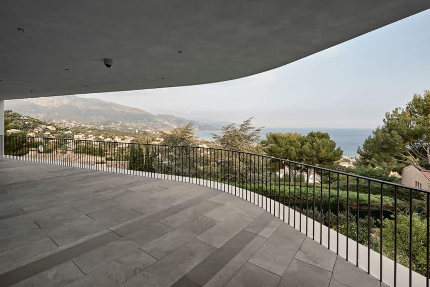 Villa La Madone by A2CM & Ceschia e Mentil Arch (6)