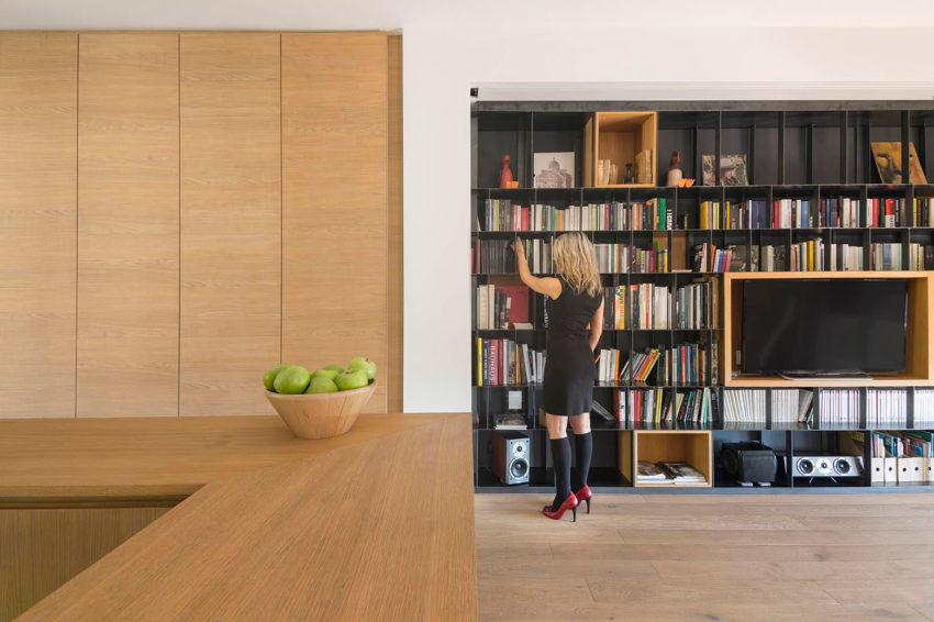Wood and Iron Apartment by Luca Compri (5)