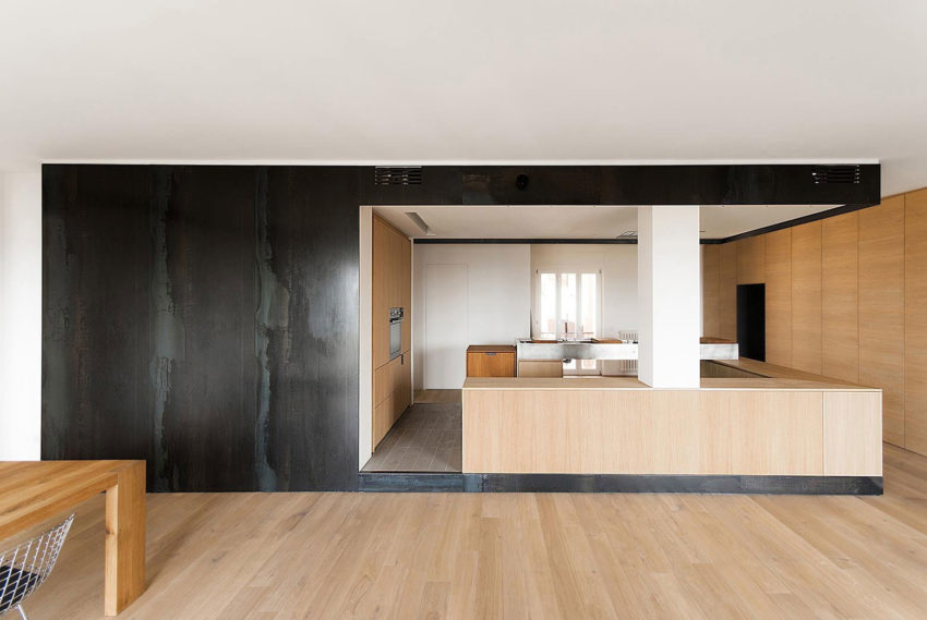 Wood and Iron Apartment by Luca Compri (7)
