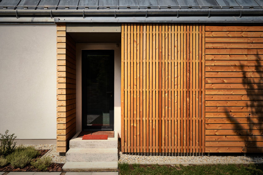 Wooden Brick House by Jaro Krobot (6)
