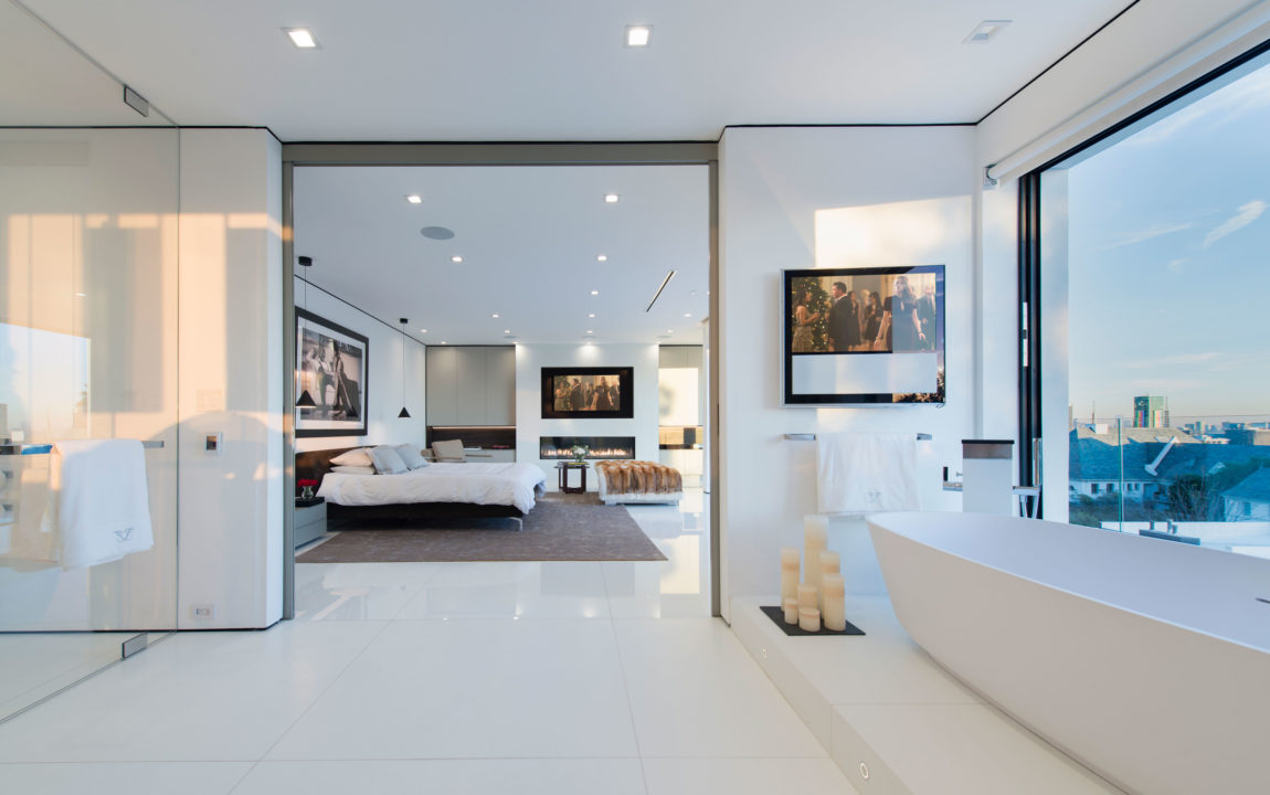 A Home in Los Angeles by Ori Ayonmike (19)