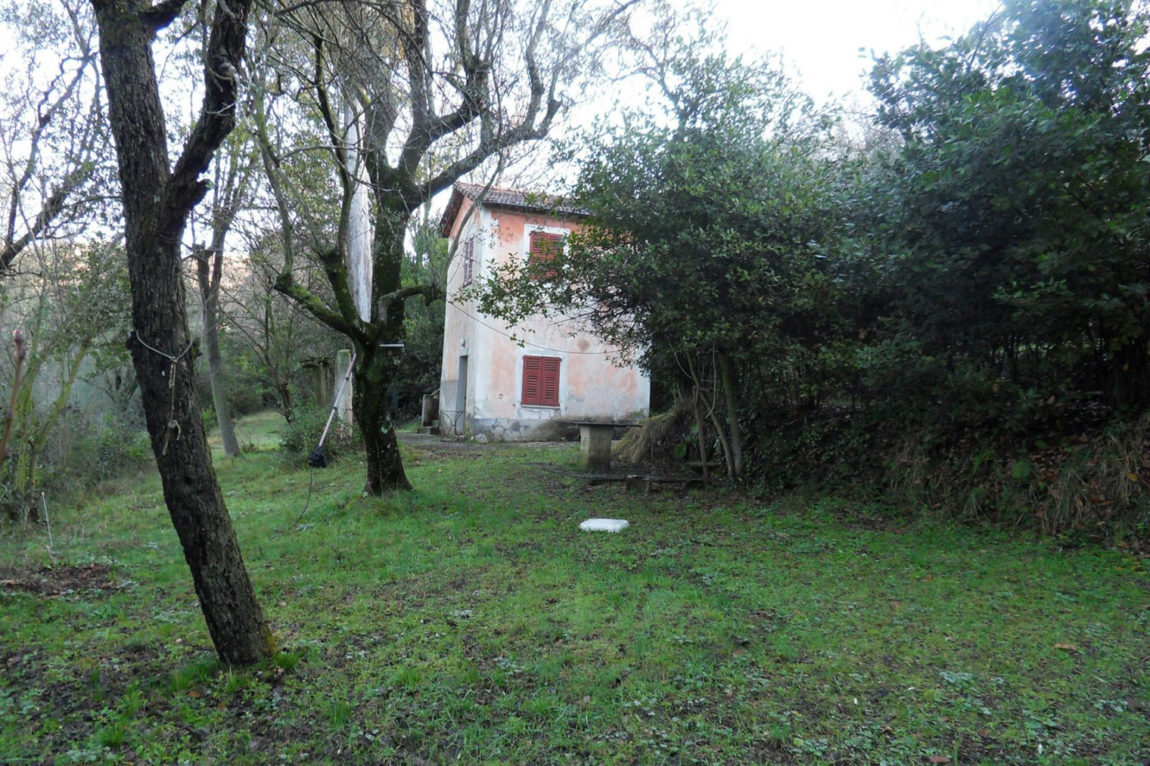 A Rural Home in Sclos de Contes by Cyril Chenebeau Arch (1)