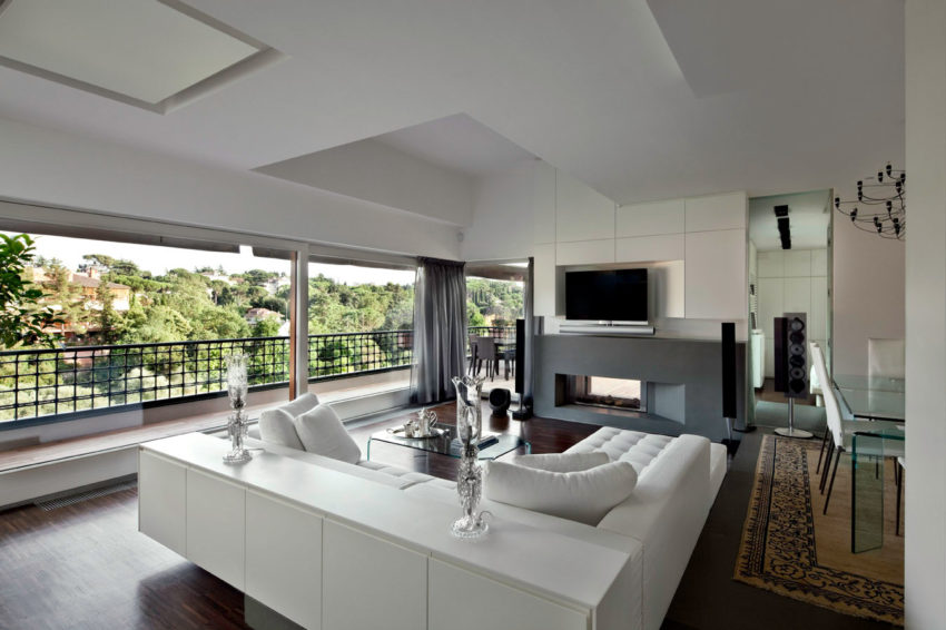 Vertical Home Open to the Sky by Westway Architects (10)