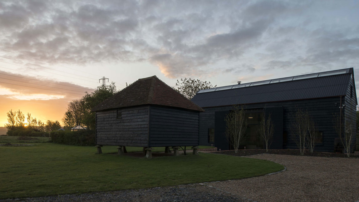 Ancient Party Barn by Liddicoat & Goldhill (5)