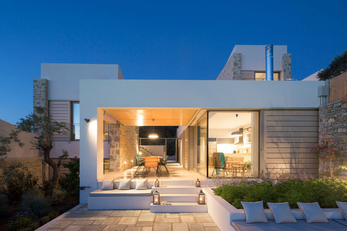 Hhh architects designs a private villa on skiathos greece for Villa architect