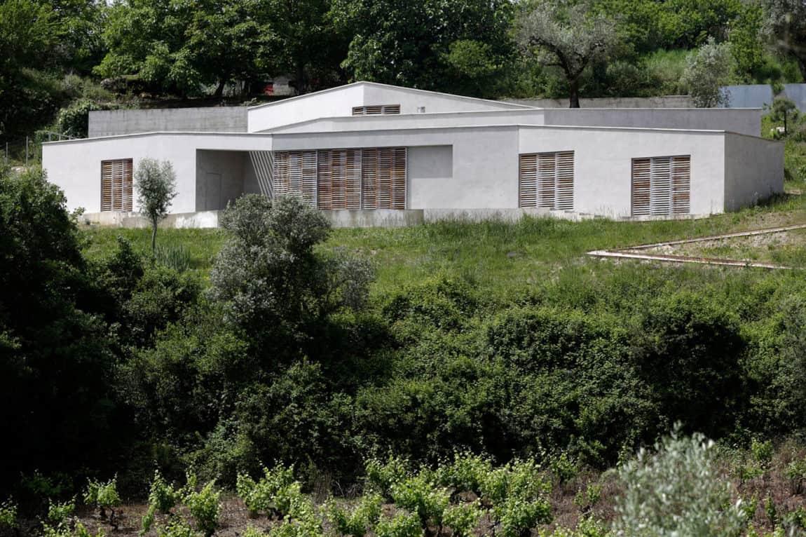 Casa na Gateira by Camarim Arquitectos (7)
