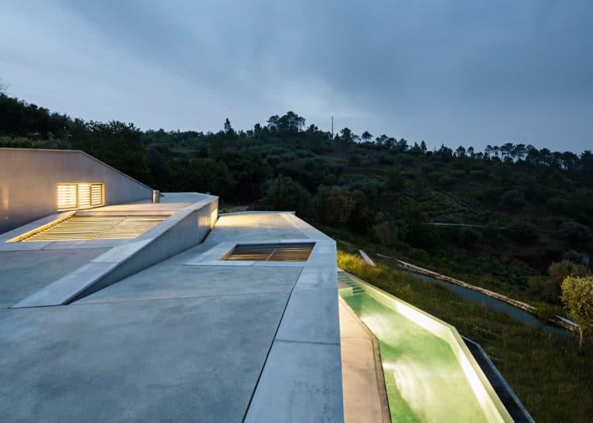 Casa na Gateira by Camarim Arquitectos (25)