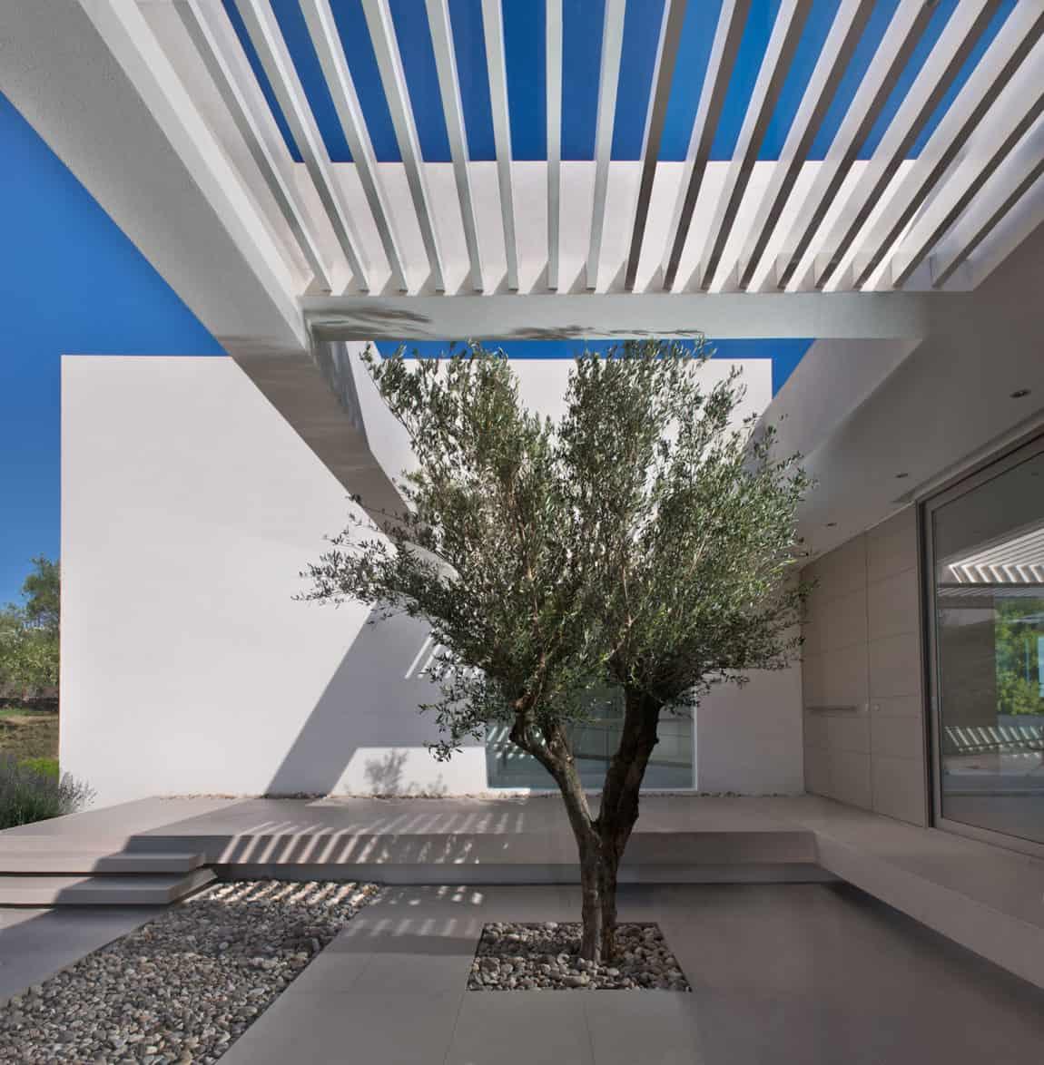 House in Zakynthos by Katerina Valsamaki Architects (5)