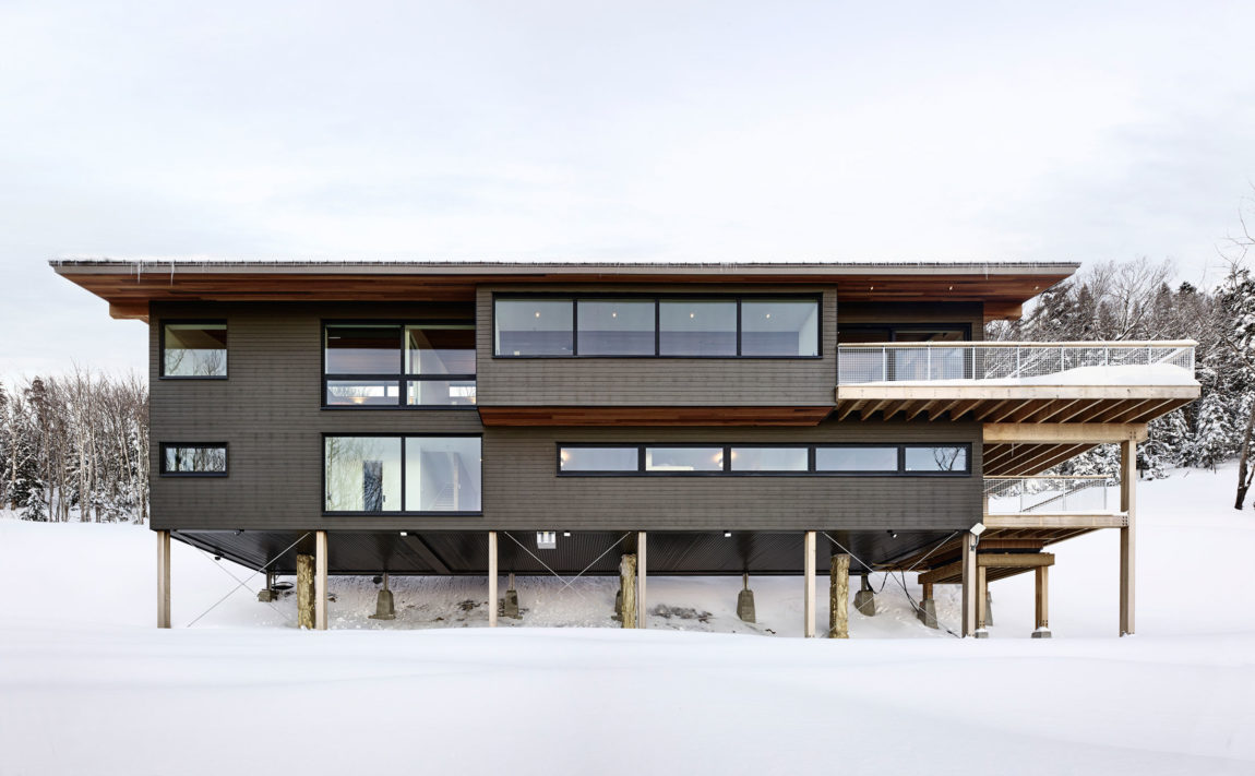 Laurentian Ski Chalet by Robitaille.Curtis (2)