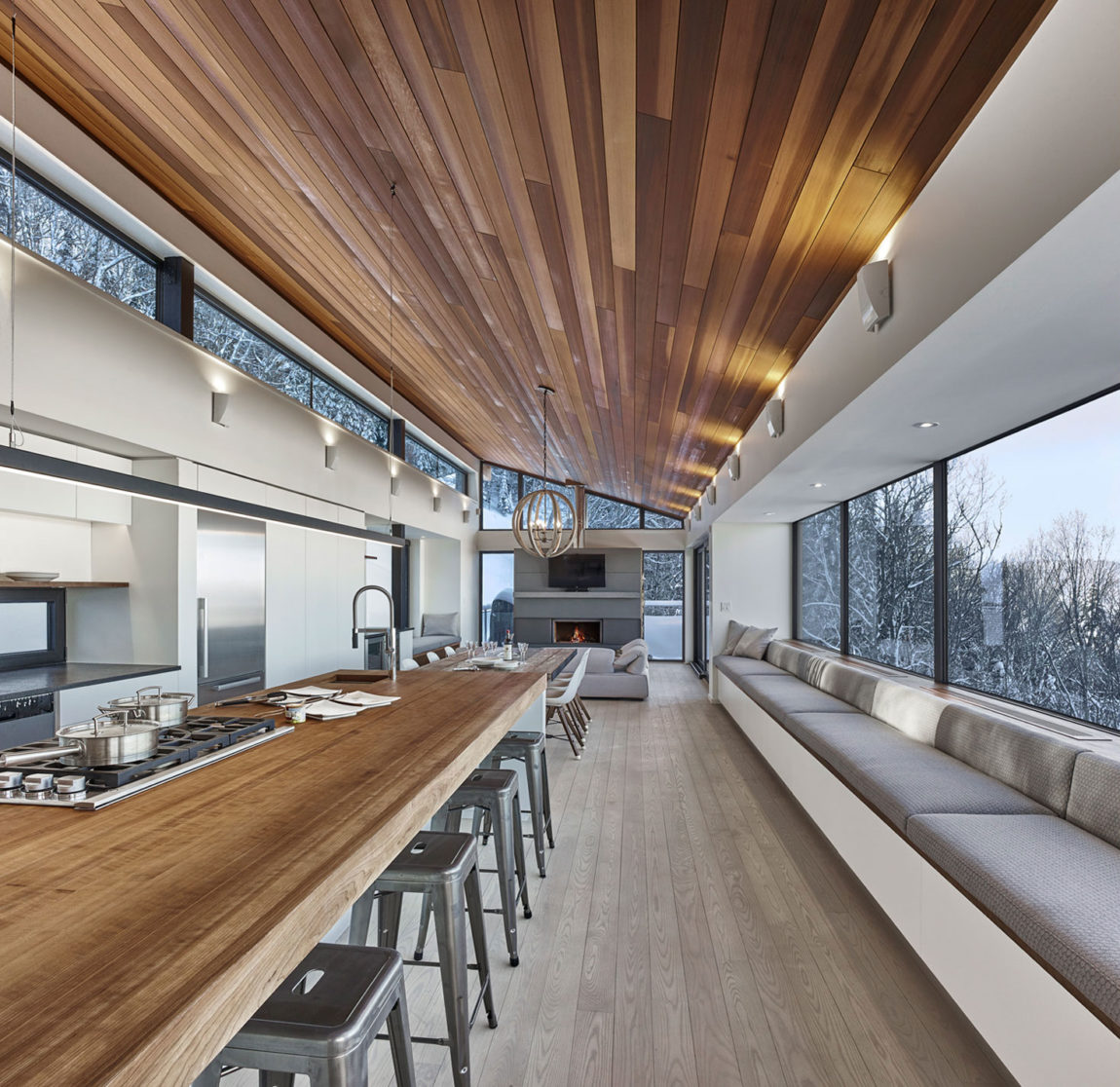Laurentian Ski Chalet by Robitaille.Curtis (6)