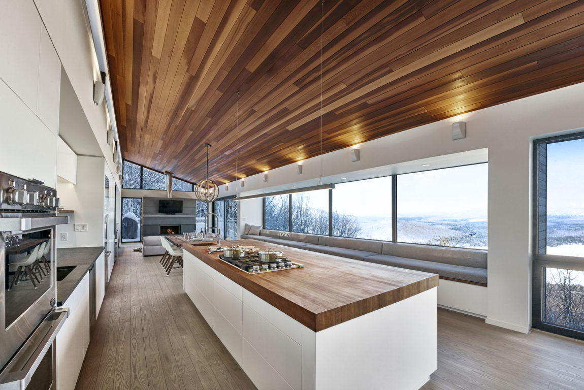 Laurentian Ski Chalet by Robitaille.Curtis (7)