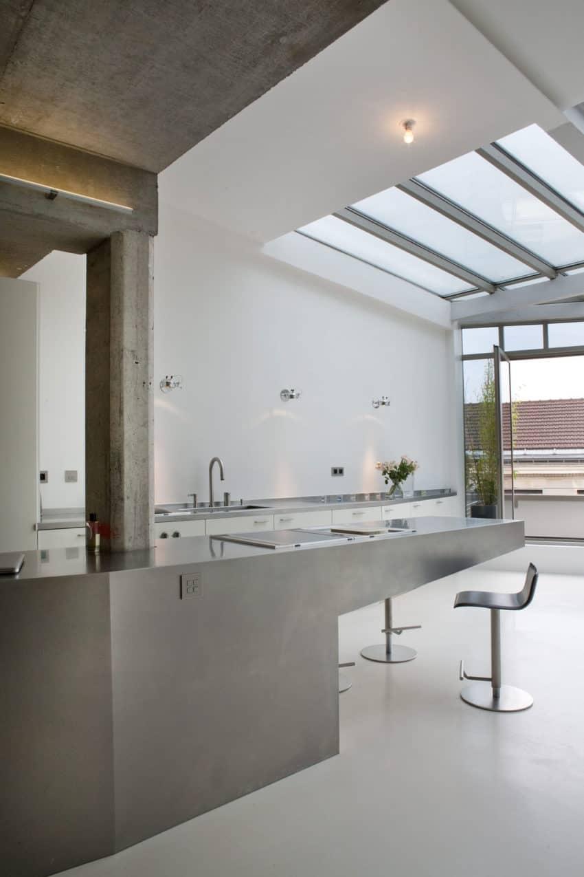 Olivier Chabaud Architectes Design a Spacious and Elegant Loft in Paris
