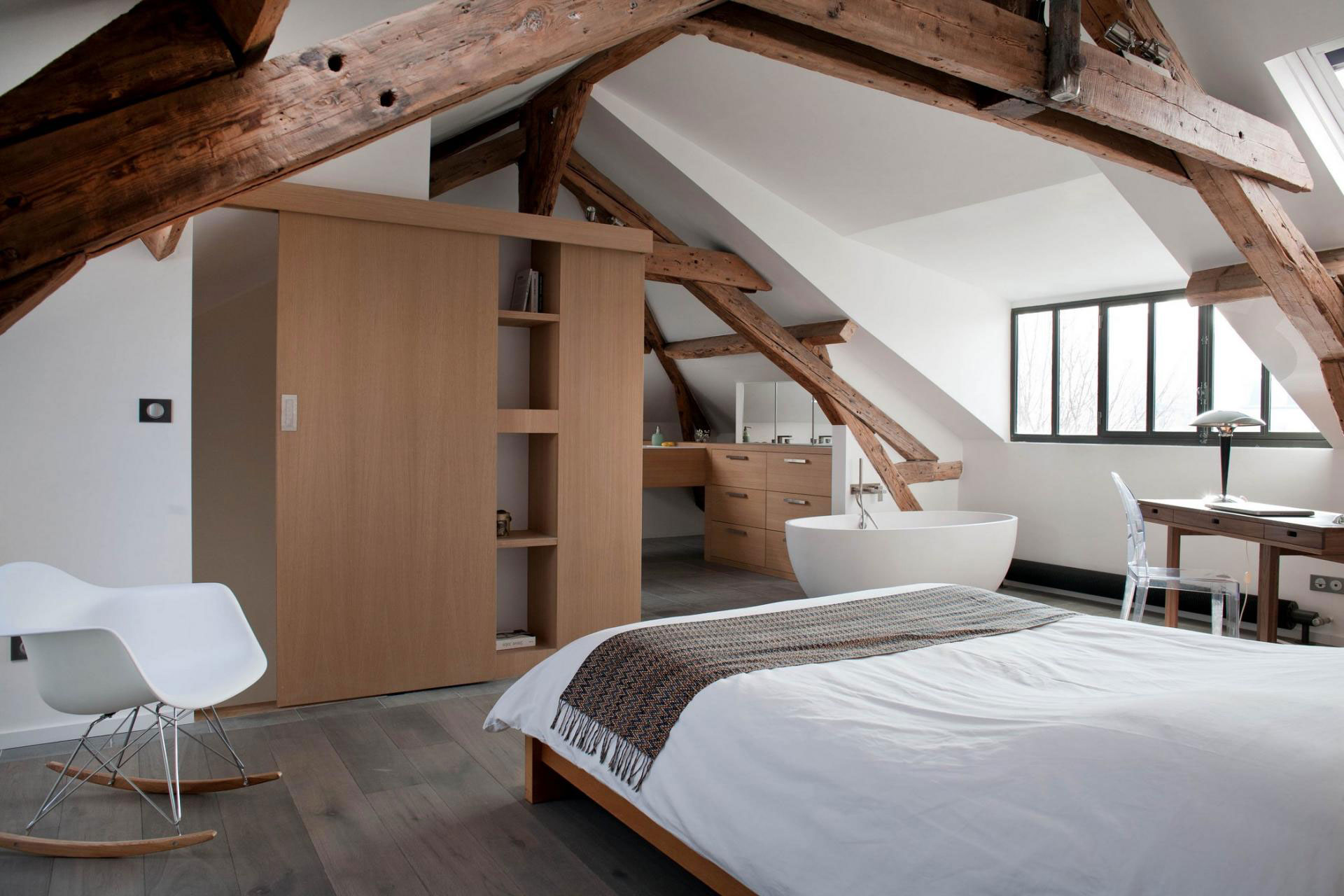 Olivier chabaud architecte designs a private residence in - Maison ancienne renovee olivier chabaud ...