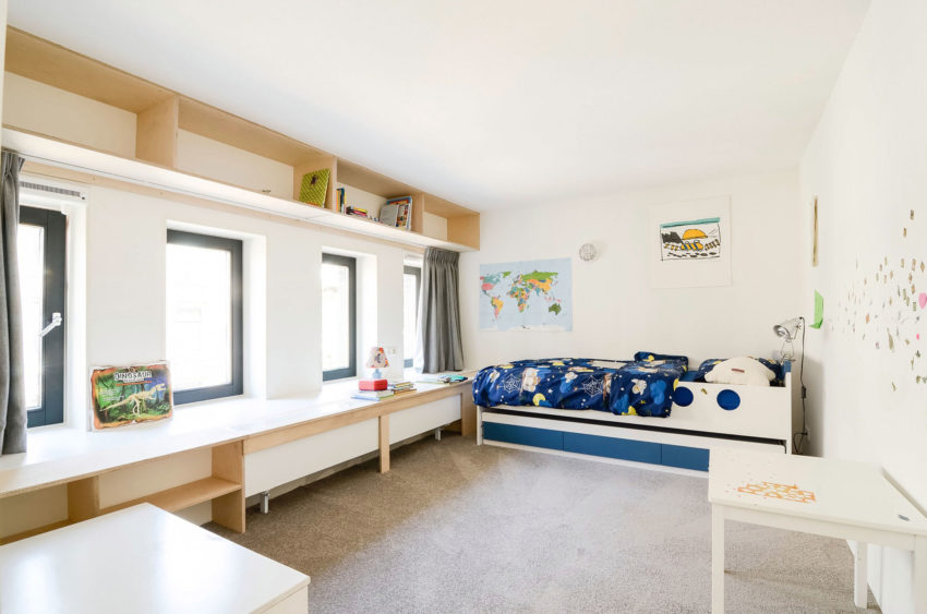School Conversion 'Ons Dorp' by Standard Std (14)