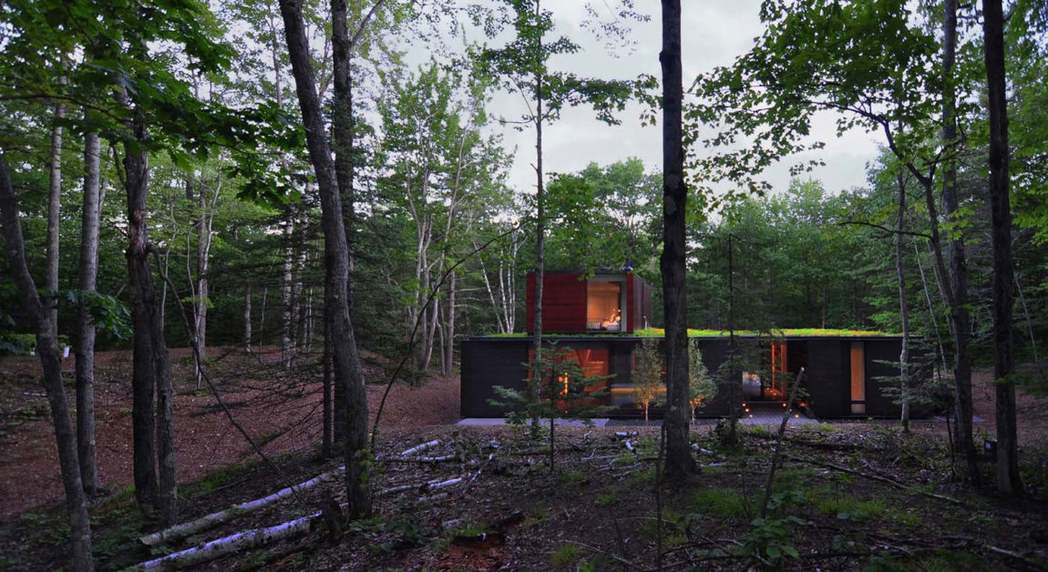 Pleated House by Johnsen Schmaling Architects (11)