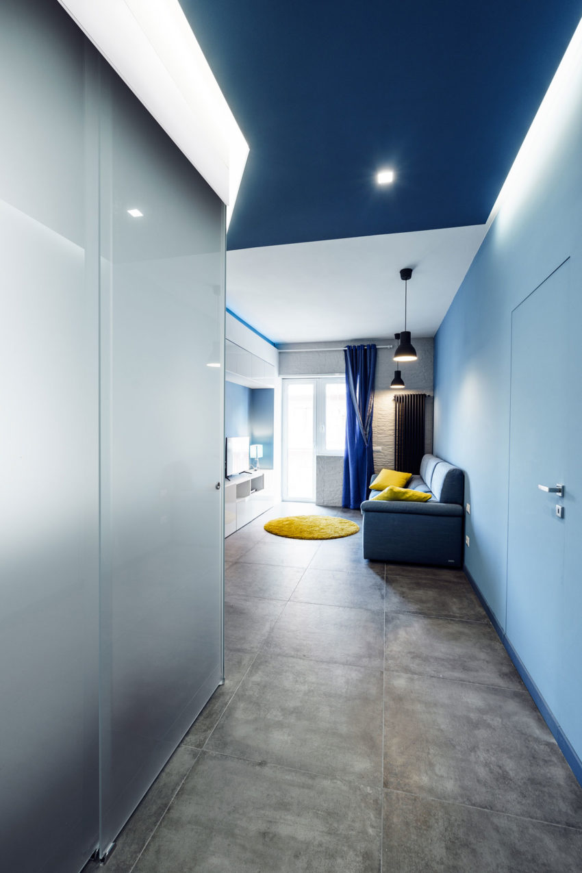 Prismatic Blue Apartment by Brain Factory (1)