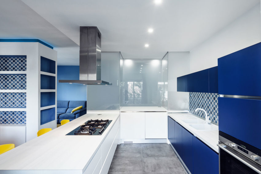 Prismatic Blue Apartment by Brain Factory (7)