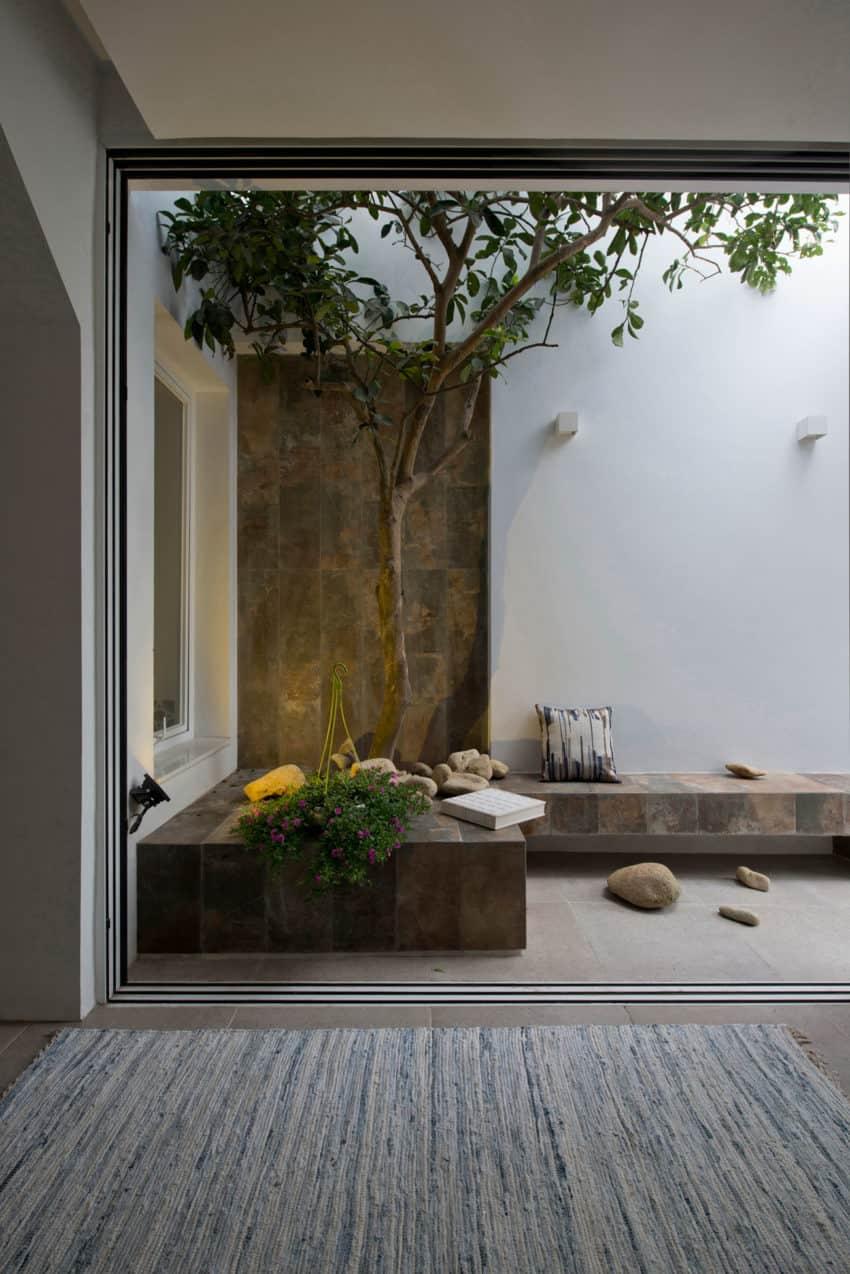 QT House by LANDMAK ARCHITECTURE (3)