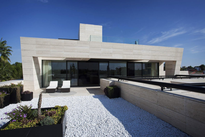 S.V. House by A-cero (23)