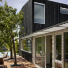 Shou Sugi Ban House by Schwartz and Architecture (5)