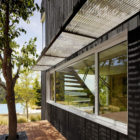 Shou Sugi Ban House by Schwartz and Architecture (6)