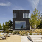 Shou Sugi Ban House by Schwartz and Architecture (7)