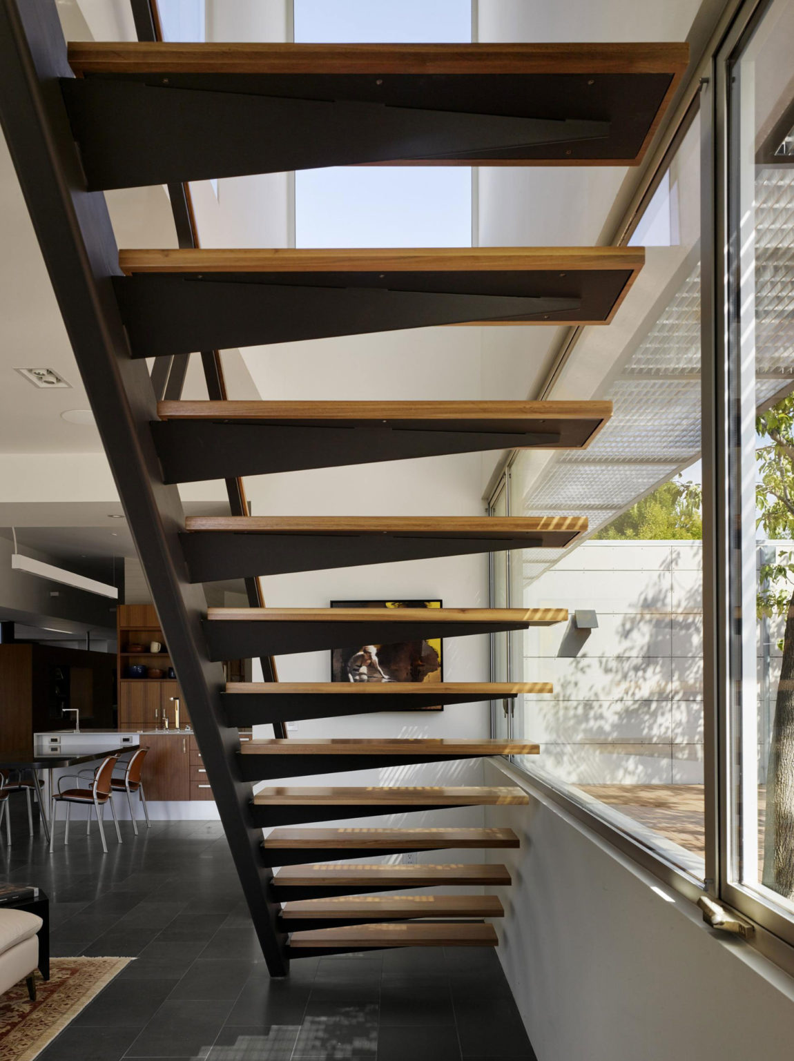 Shou Sugi Ban House by Schwartz and Architecture (12)