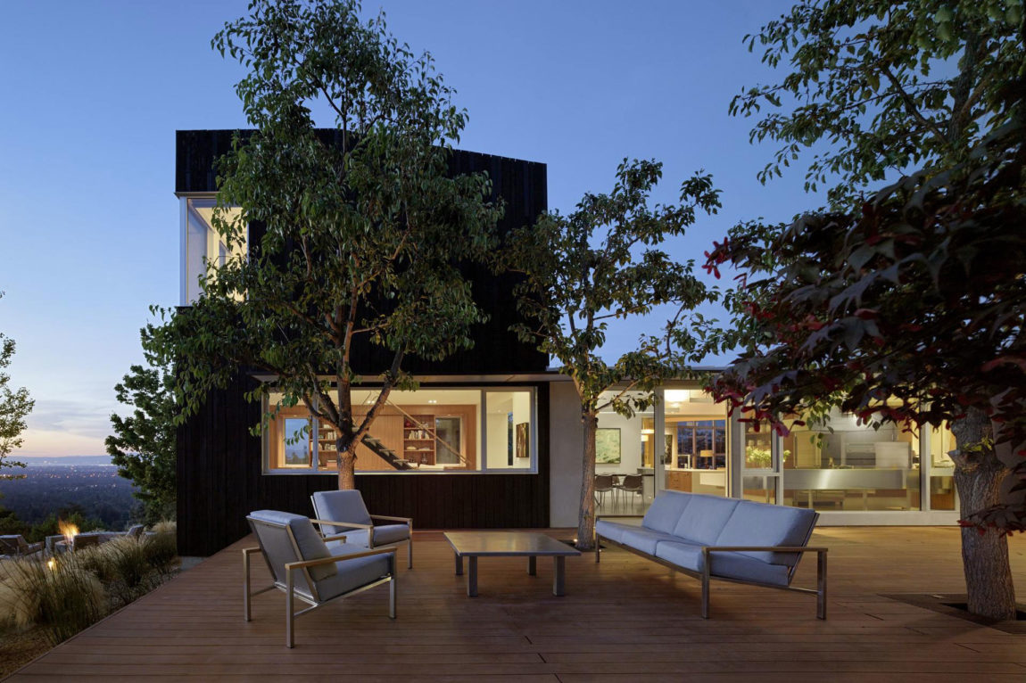 Shou Sugi Ban House by Schwartz and Architecture (27)