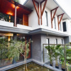 The Mango Tree House by Ujjval Panchal + Kinny Soni (7)