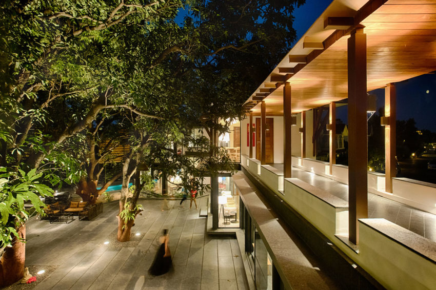 The Mango Tree House by Ujjval Panchal + Kinny Soni (16)