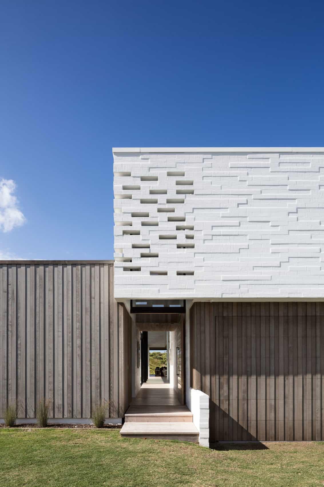 Tuatua House by Julian Guthrie (2)